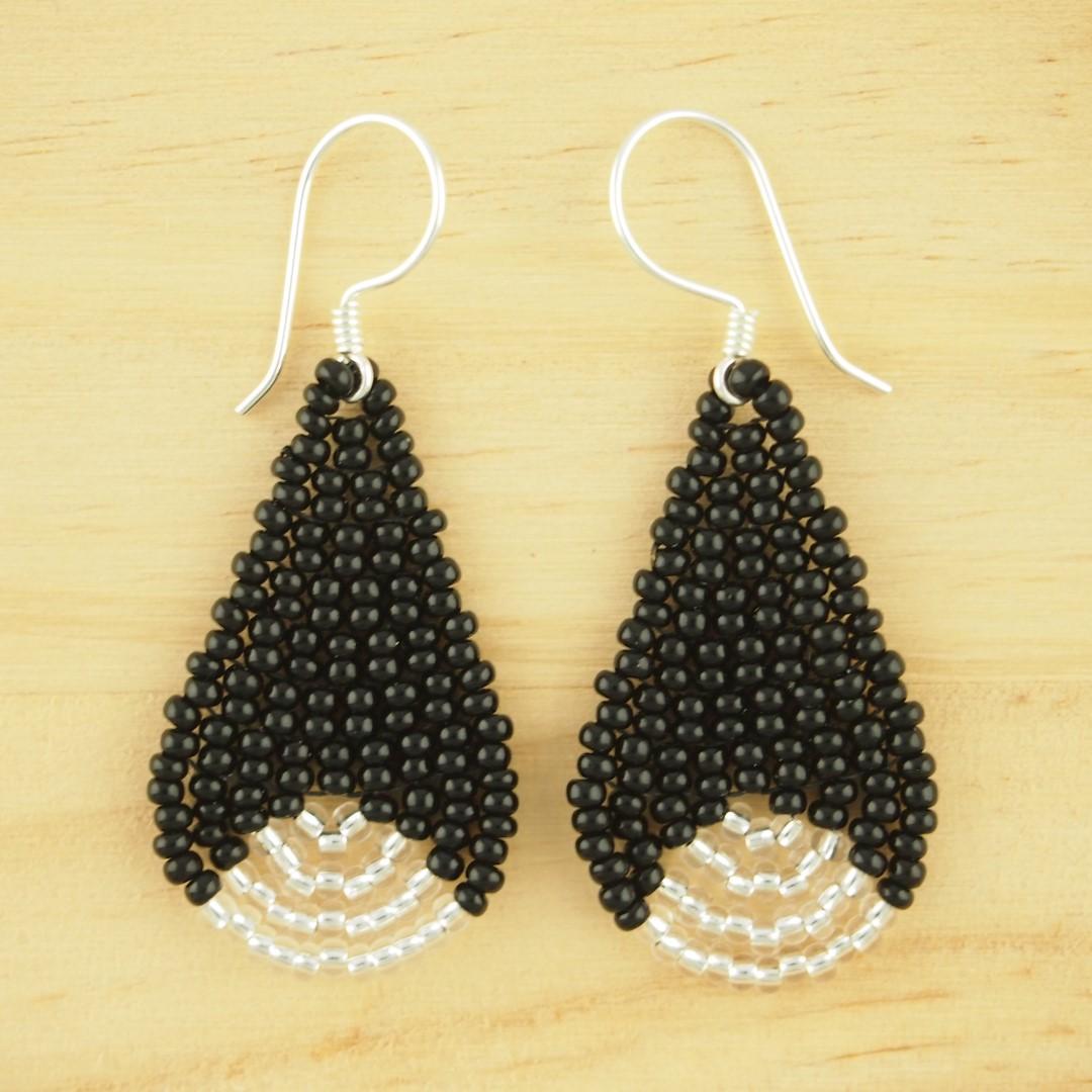 boucle d oreille en perle fait main bijoux la mode. Black Bedroom Furniture Sets. Home Design Ideas