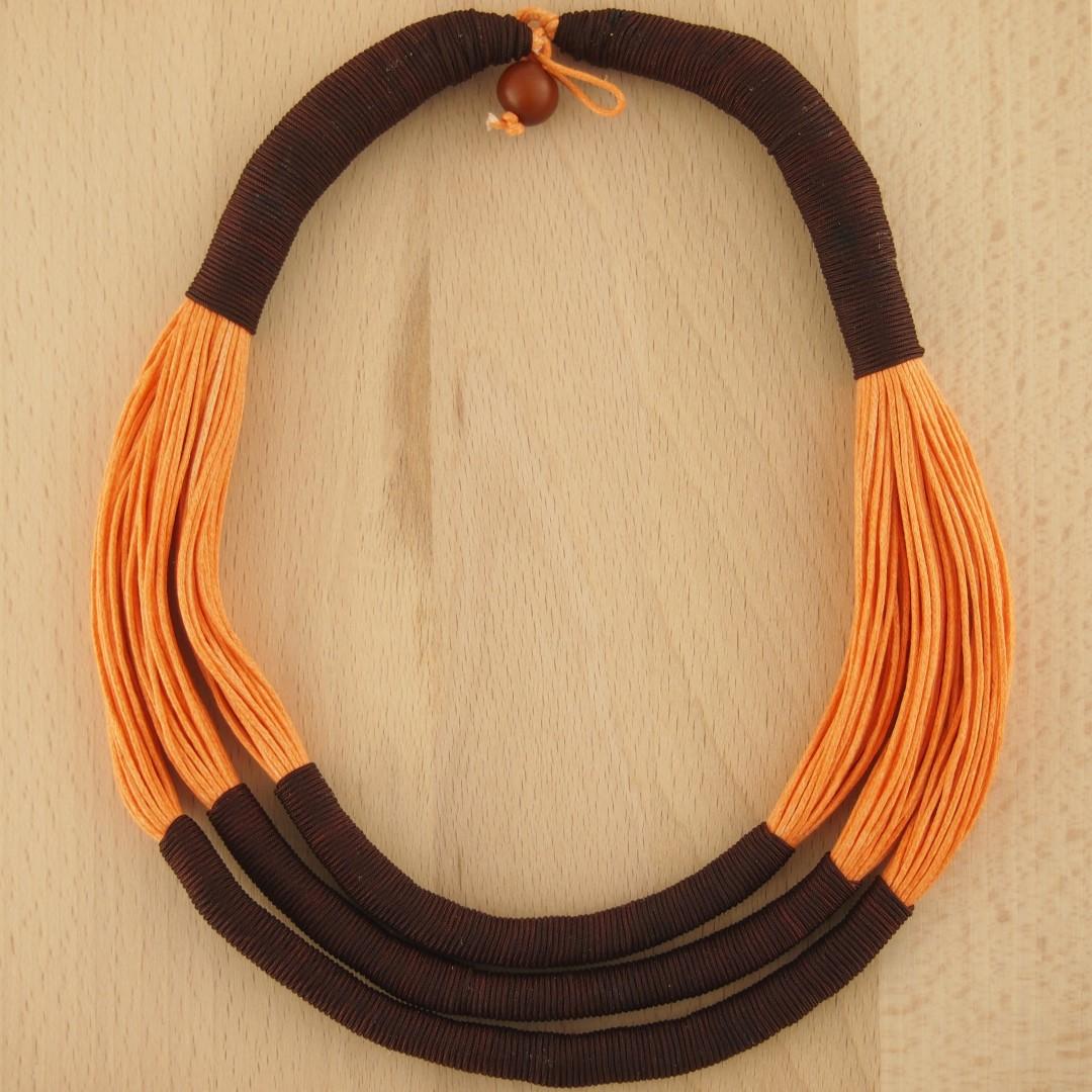 collier fils cires chaja fait main orange chic authentique et thique. Black Bedroom Furniture Sets. Home Design Ideas