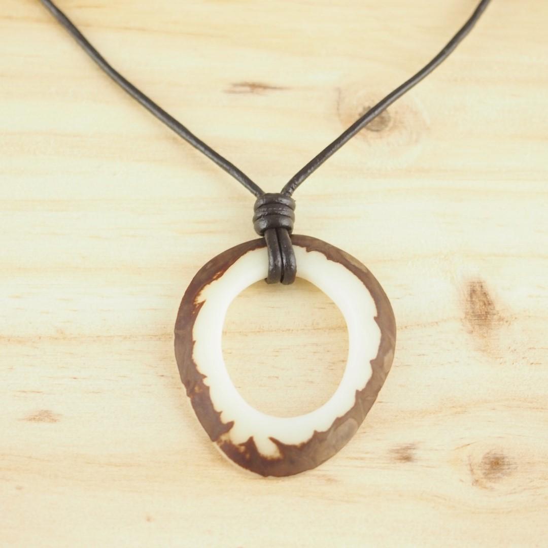 collier mixte en ivoire v g tal brut plein fait main nature blanc marron chic. Black Bedroom Furniture Sets. Home Design Ideas