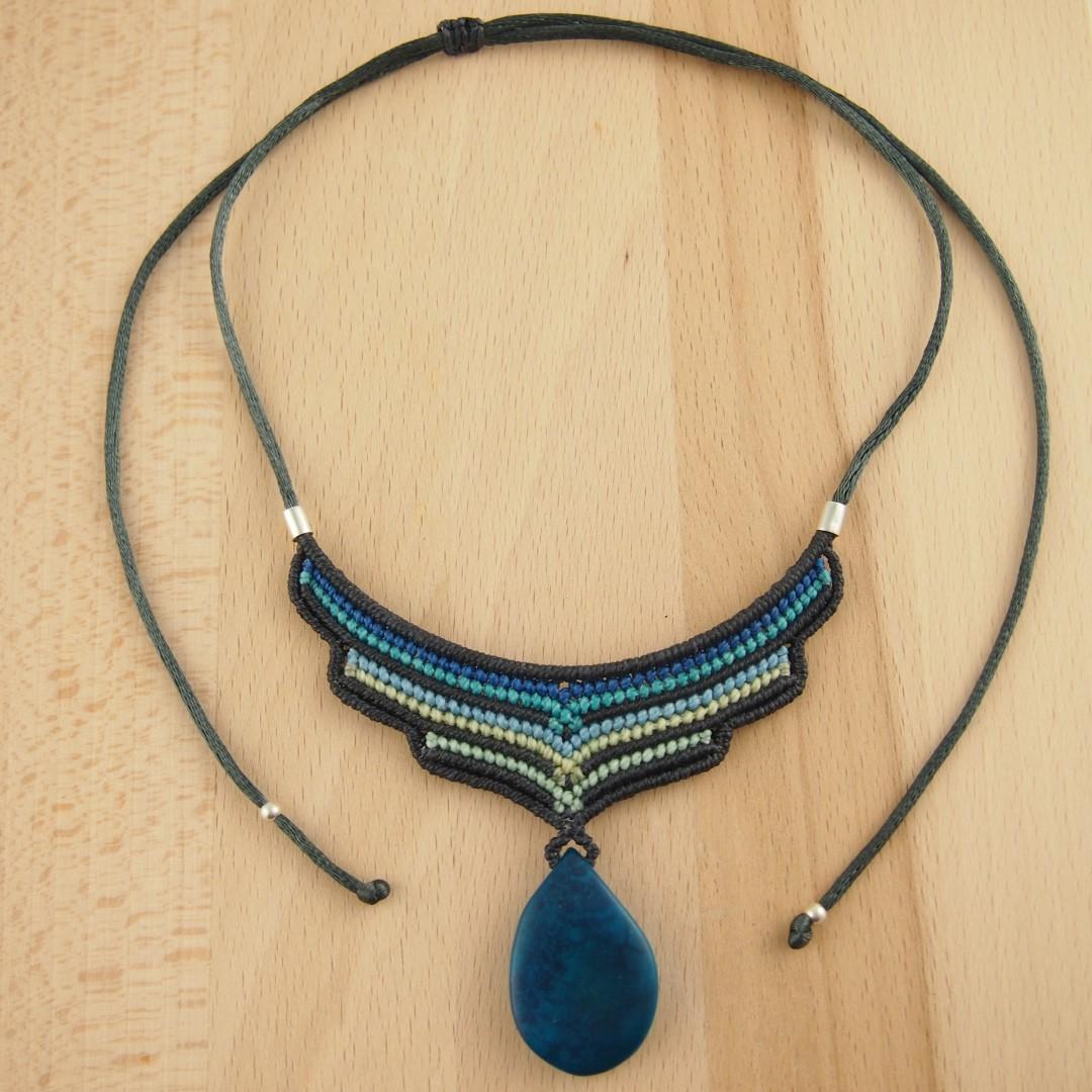 collier macram et ivoire v g tal tangara fait main bleu chic authentique et thique. Black Bedroom Furniture Sets. Home Design Ideas