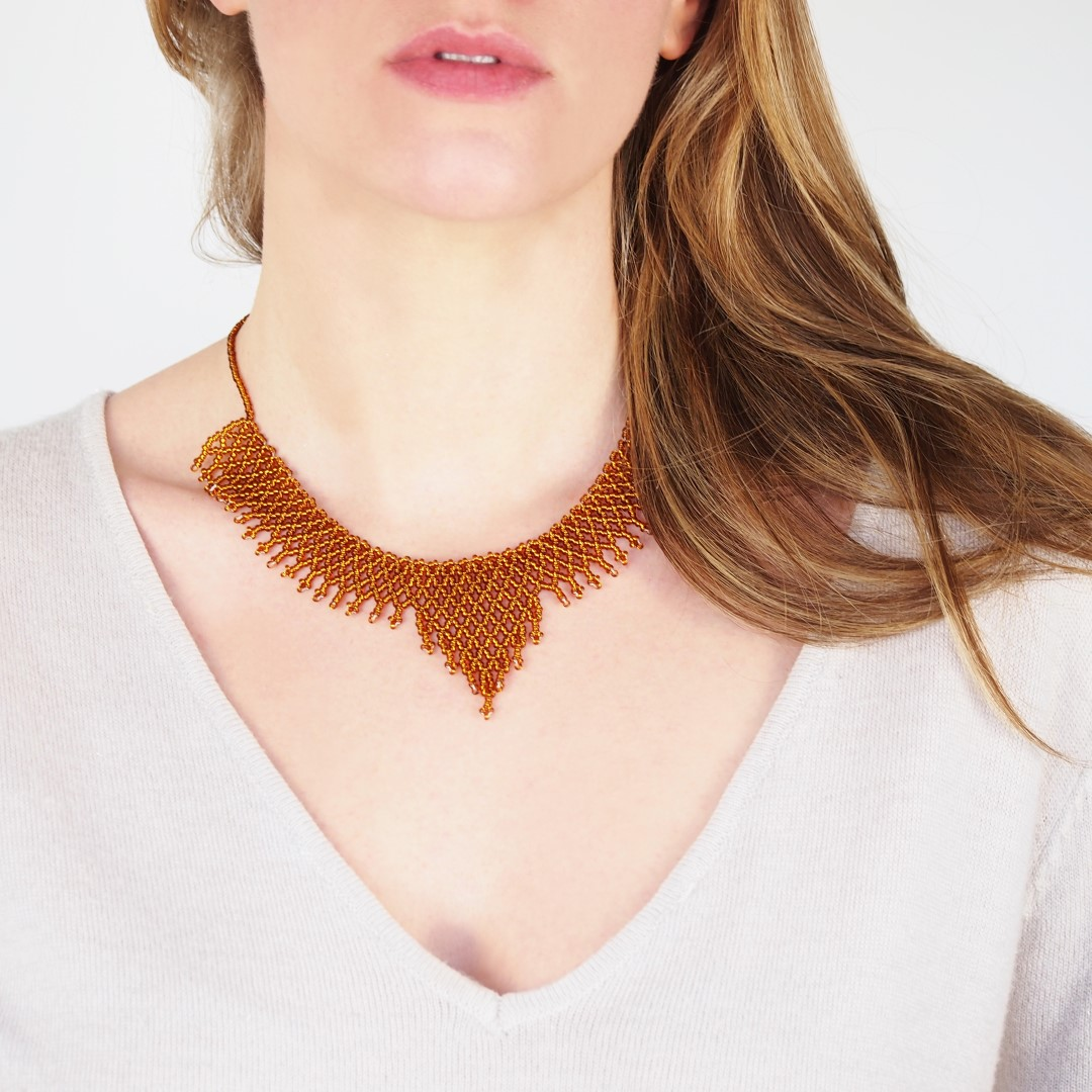 collier perles okamita fait main miel brillante chic authentique et thique. Black Bedroom Furniture Sets. Home Design Ideas