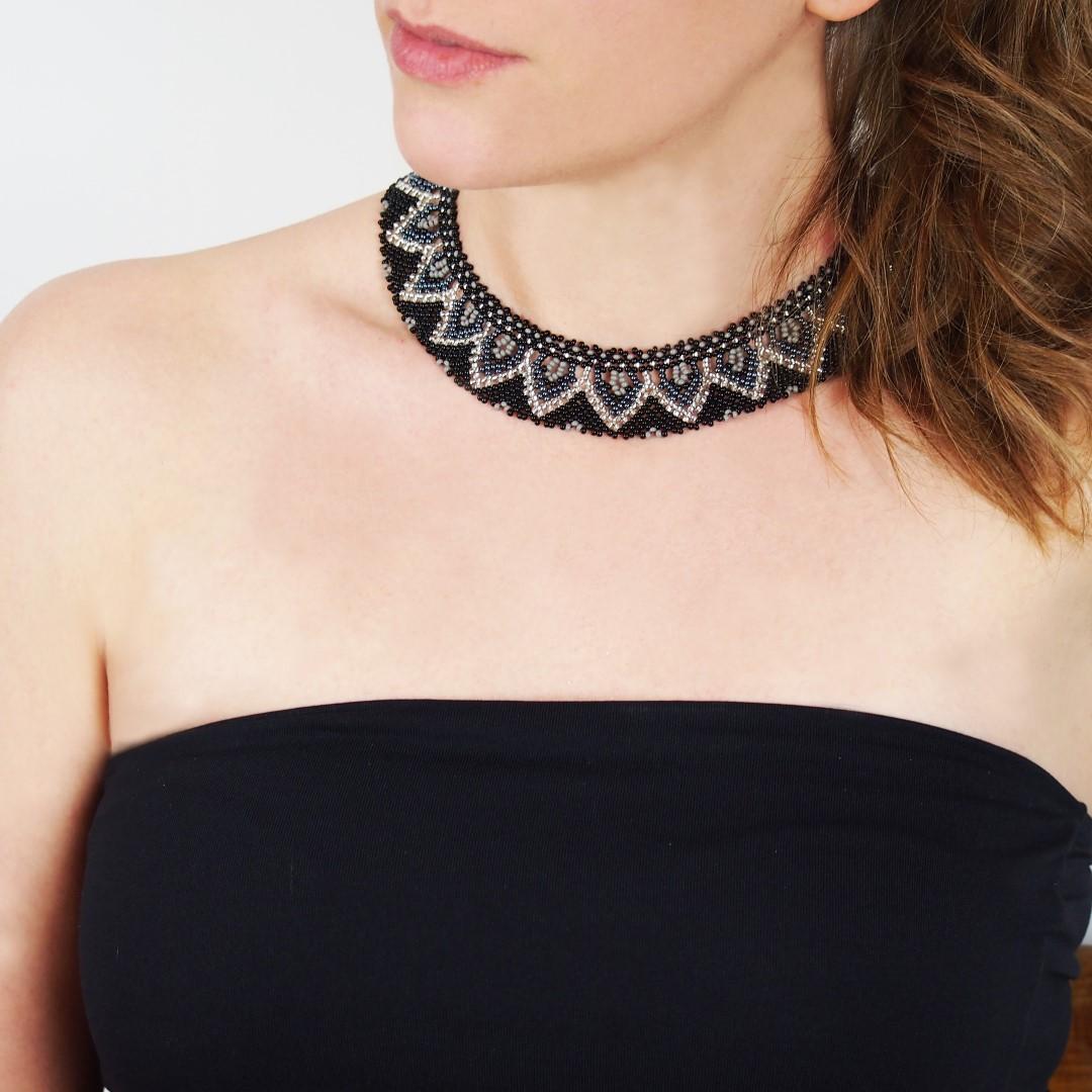 collier perles buka fait main noir gris argent chic authentique et thique. Black Bedroom Furniture Sets. Home Design Ideas