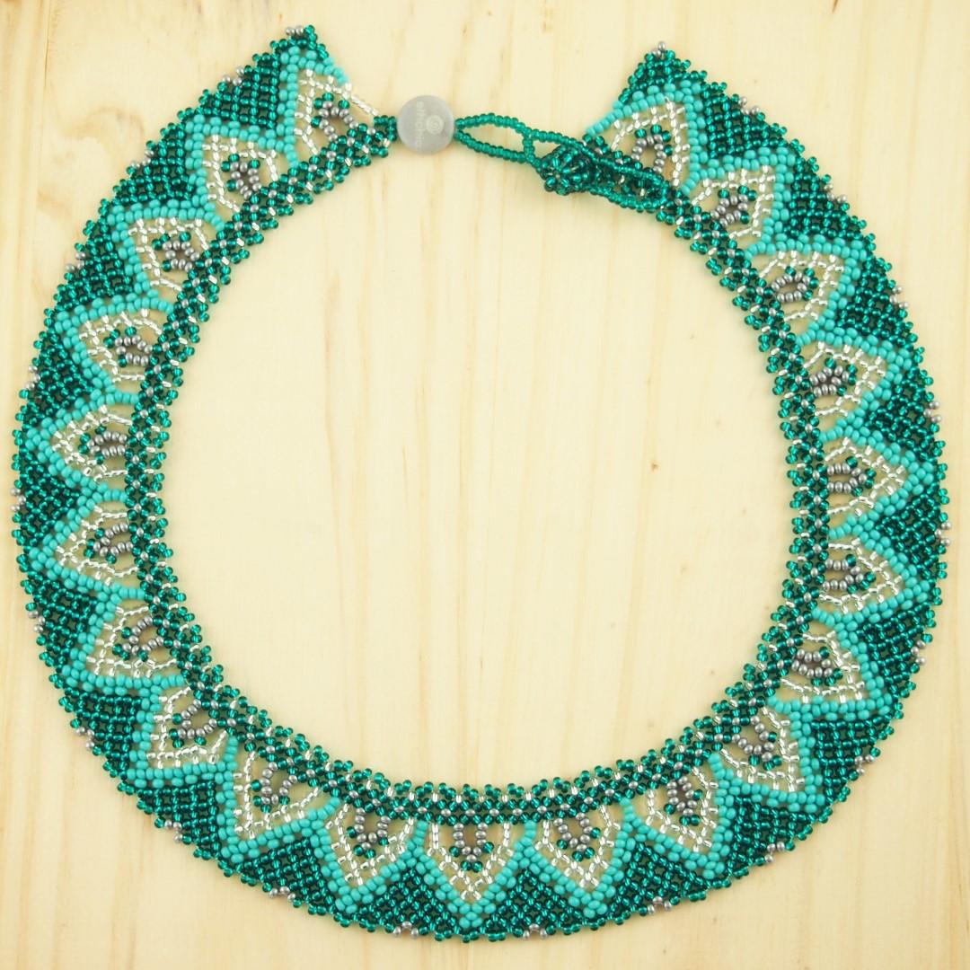 collier perles buka fait main turquoise et argent. Black Bedroom Furniture Sets. Home Design Ideas