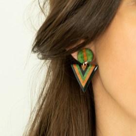 Boucles d′oreilles en Calebasse séchée et argent 925 Cari-Duo faites main | Fle : Bleu - Vert - Saumon