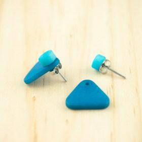 Boucles d′oreilles en ivoire végétal Duo-Tri arrondis faites main | Bleues