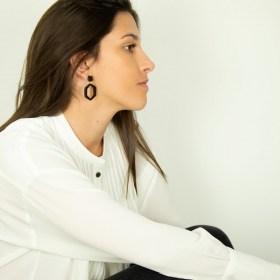 Boucles d′oreilles en ivoire végétal Hexa Large faites main | Noires