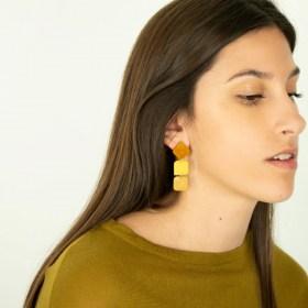 Boucles d′oreilles en ivoire végétal et argent 925 Rotation faites main | Jaunes