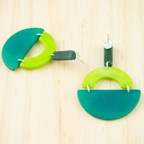 Boucles d′oreilles en ivoire végétal et argent 925 Trio-Pen faites main | Vertes