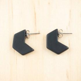 Boucles d′oreilles en ivoire végétal Profil-Hex faites main | Noir