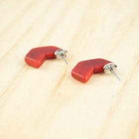 Boucles d′oreilles en ivoire végétal Profil-Hex faites main | Rouges