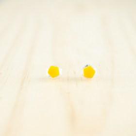 Boucles d′oreilles puces en ivoire végétal et argent 925 Coletoile faites main | Jaunes