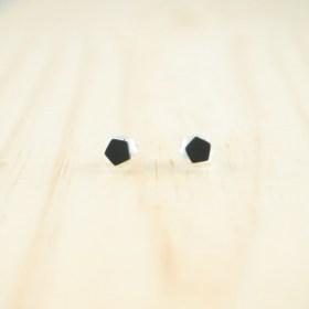 Boucles d′oreilles puces en ivoire végétal et argent 925 Coletoile faites main | Noires