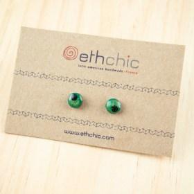 Boucles d′oreilles 8mm en Calebasse séchée faites main rondes | Point : Vert - Noir
