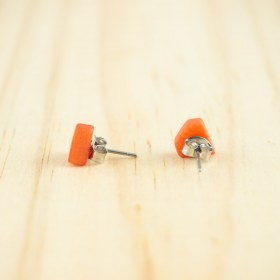 Boucles d′oreilles puces en ivoire végétal Colidia faites main | Saumon