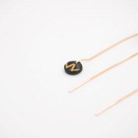 Boucles d'oreilles chaîne traversante Won en Calebasse séchée et argent 925 plaqué or 24k | Noir - Moutarde