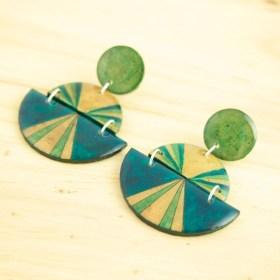 Boucles d′oreilles en Calebasse séchée et argent 925 Cari-Trio-Pav faites main | Bleu - Beige - Vert