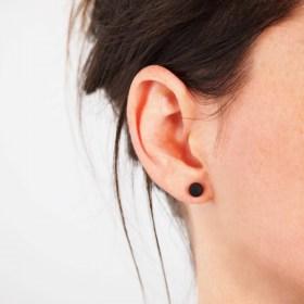 Boucles d′oreilles COLIBRI noir faits main éthique