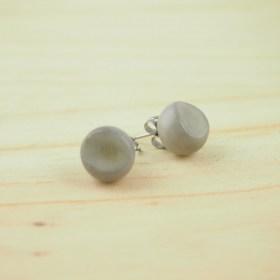 Boucles d′oreilles FOCHA gris faits main éthique