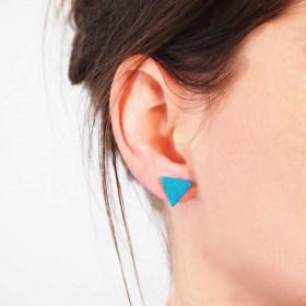 Boucles d′oreilles triangles ARPIA turquoises faits main éthique