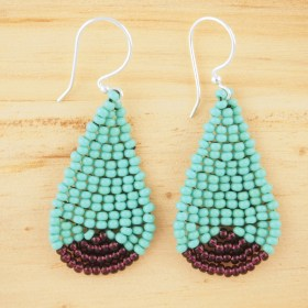 Boucles d'oreilles en perles P turquoise-violet faites-main