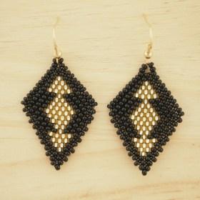 Boucles d'oreilles en perles R Noir-doré fait-main