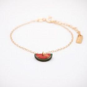 Bracelet fin en calebasse séchée et chaîne plaquée or 24k | Pastèque