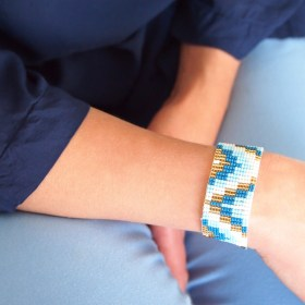 Bracelet perles Bramita Zig-Zag fait main  Bleu - Blanc - Doré