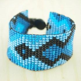 Bracelet perles OKAMITA Noir-bleu ethique fait main infini