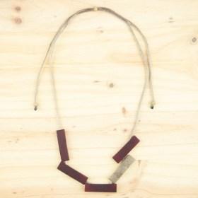 Collier réglable en ivoire végétal Mutat fait main | Rouge - Beige