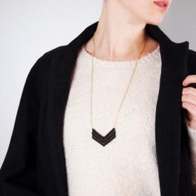 Collier macrame Albatros noir fait main éthique
