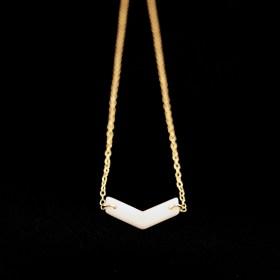Collier en ivoire végétal et plaqué or - Rubi Fle blanc fait main
