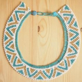 Collier perles okama fait main bleu-doré-blanc