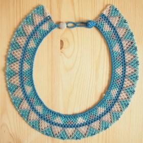 Collier perles OKAMA bleu gris et argenté  fait main
