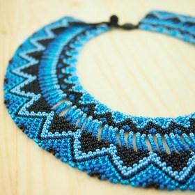 Collier perles OKAMA bleu-noir fait main