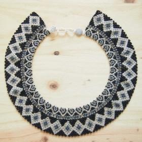 Collier perles OKAMA Noir gris et argenté  fait main