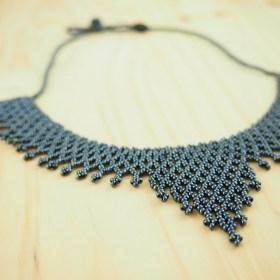 Collier perles Okamita gris metalicé fait main éthique