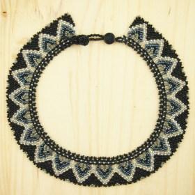 Collier perles buka fait main noir-gris-argent éthique